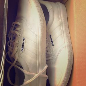 Classic White Adidas Sneakers/Skate Shoes